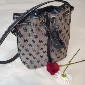 DOONEY & BOURKE,inc ladies hand bag